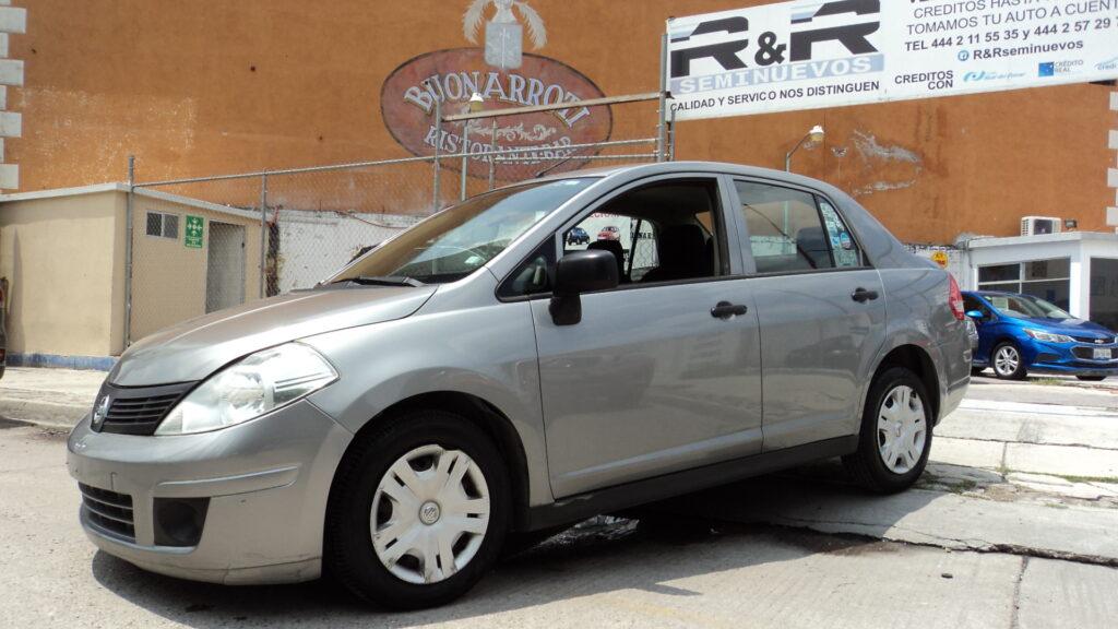 Nissan Tiida Drive 2015